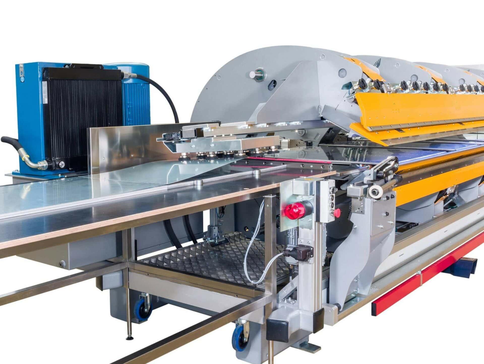 2020: Die Thalmann Maschinenbau AG zählt zu den internationalen Markt- und Technologieführern für Schwenkbiegemaschinen und überzeugt die Kunden mit kostensenkenden Innovationen.