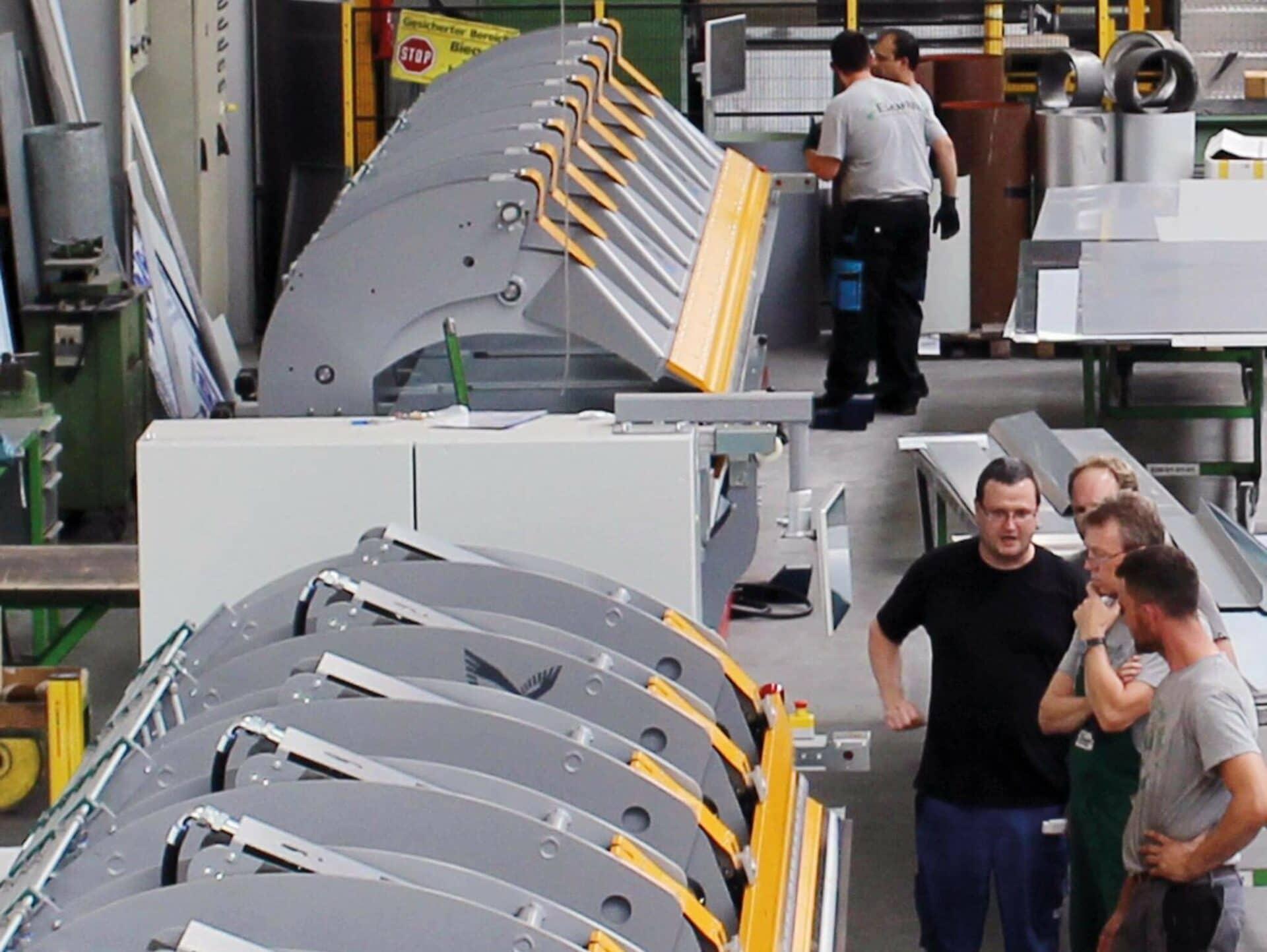 AUFGERÜSTET:Die Gustav Barth GmbH setzt auf den TD Doppelbieger und TZ Einfachbieger der Thalmann Maschinenbau AG aus dem schweizerischen Frauenfeld.