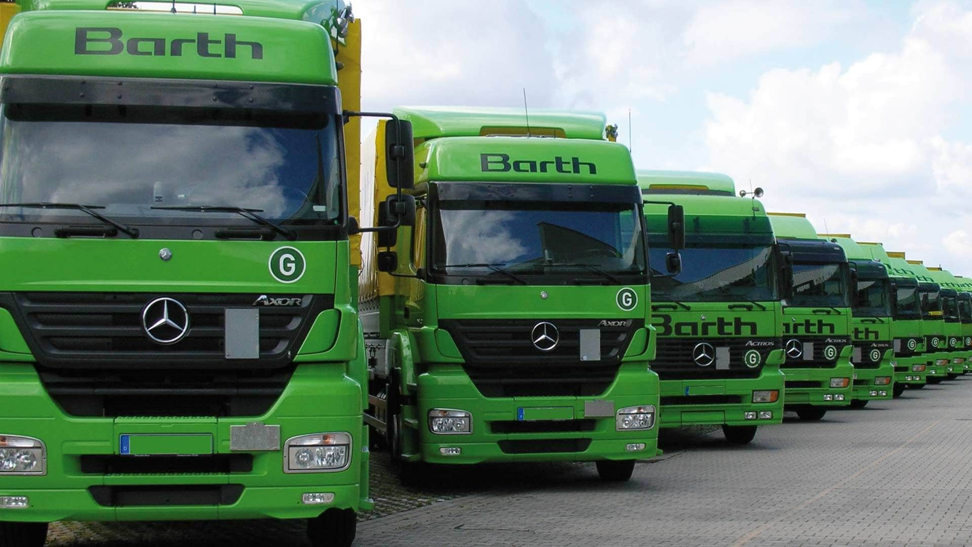 SCHLAGKRÄFTIG:Die gesamte LKW-Flotte der Gustav Barth GmbH besteht derzeit aus 32 Fahrzeugen und bringt die Produkte ordentlich, pünktlich, schnell und flächendeckend zu den Kunden.